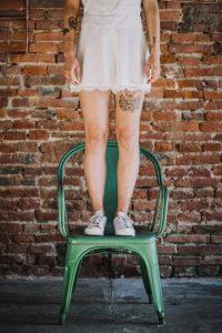 Dentelle et crêpe, optez pour une combi-short pour un mariage estival | Atelier 2B créateur de robes de mariée à Toulouse