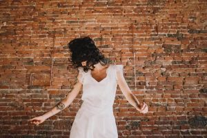 Restez dans l'air du temps, faites réaliser sur mesure une robe de mariée tendance   Atelier 2B à Toulouse