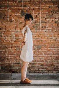Apportez une touche bohème chic à votre mariage. Portez une robe de mariée tendance et décontractée | Atelier 2B à Toulouse