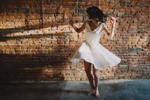 Pour un look de mariée sexy dont on se souviendra ! | Atelier 2B Créateur de robes courtes pour mariage à Toulouse