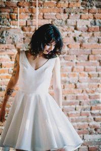 Confort et modernité, découvrez la robe courte pour toute mariée moderne   Atelier 2B à Toulouse